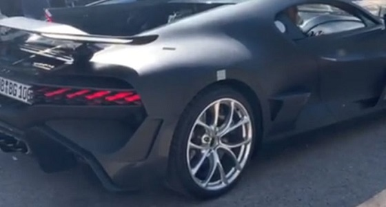 فيديو مسرب لسيارة بوجاتي ديفو يكشف إمكانتها الخارقة
