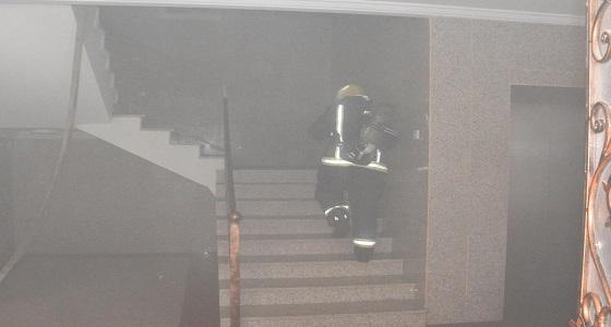 إصابة 10 أشخاص إثر اندلاع حريق في بناية بجدة