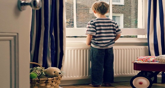 الشرطة تضبط أم لتركها ابنها بمفرده في المنزل!