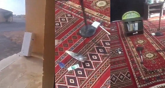 بالفيديو.. مجهولون يعبثون بمحتويات مسجد في طريف