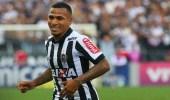 الوحدة يحسم موقفه من شراء عقد رومولو أوتيرو