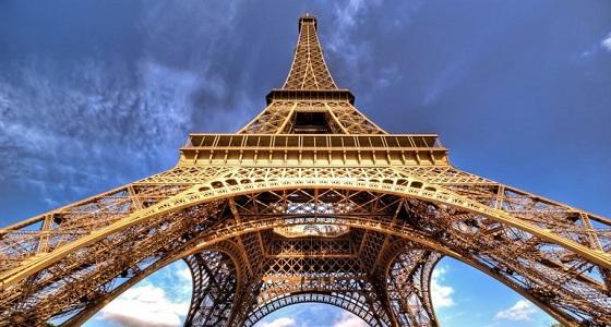 إغلاق برج إيفيل لحين إشعار آخر بسبب مُتسلق