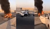 بالفيديو.. احتراق وتفحم مركبة ووفاة قائدها لاصطدامها بعامود إنارة بالأحساء