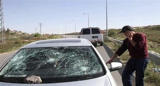 إصابة زجاج السيارة الأمامي يضر بأنظمة المساعدة الحساسة