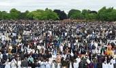 بالصور.. عدد مهيب للمسلمين يؤدون صلاة العيد ببريطانيا