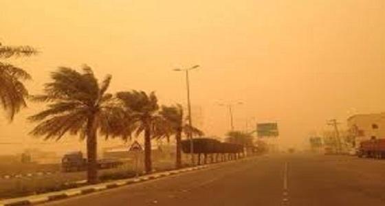 الأرصاد تحذر من رياح مثيرة للأتربة وانعدام بالرؤية الأفقية في مكة وعسير