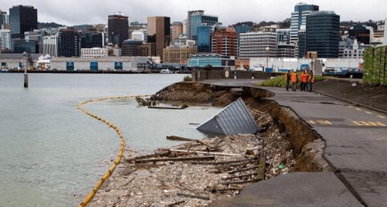 """تحذير من حدوث """" تسونامي """" في نيوزيلندا إثر زلزال عنيف بقوة 7,4 درجات"""