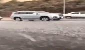 بالفيديو.. أمطار وثلوج بخميس مشيط