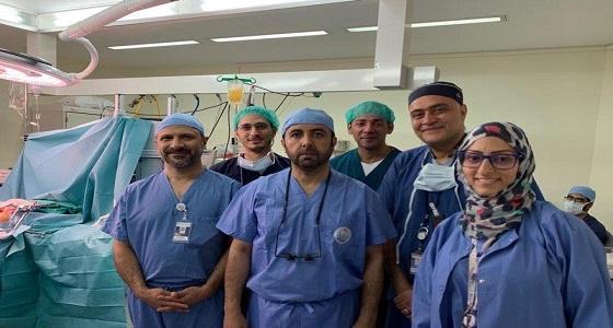 فريق طبي يطير إلى الإمارات لاستئصال كبد متوفى ويعود به لإنقاذ مواطن
