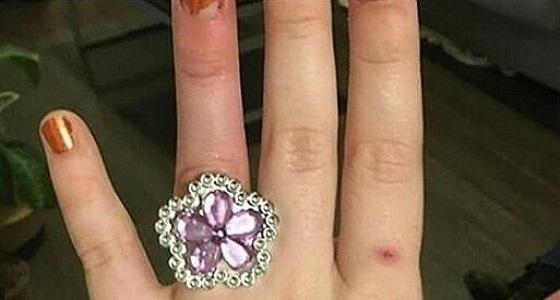 عروس تطلب من خطيبها بيع منزل الزوجية لشراء خاتم الزفاف وتشعل مواقع التواصل