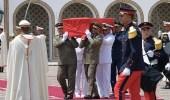 """بالفيديو.. رئيس تونس المؤقت يودع """" السبسي """" بالدموع"""