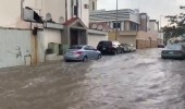 بالفيديو.. السيول تجتاح شوارع خميس مشيط