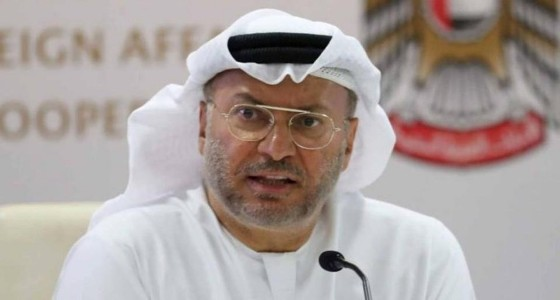 """"""" قرقاش """" يؤكد بقاء الإمارات ودول التحالف باليمن"""