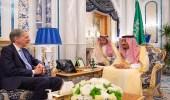 بالصور.. خادم الحرمين الشريفين يستقبل وزير الخزانة البريطاني