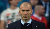 """الطبول تدق بين برشلونة وريال مدريد و """" زيدان """" في موقف لا يحسد عليه"""