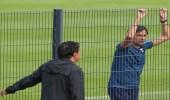 مدرب لاتسيو الإيطالي يراقب تدريبات الشباب قبيل الودية المرتقبة
