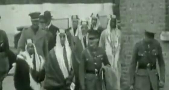 """"""" فيديو """" نادر يوثق زيارة الملك فيصل لبريطانيا قبل 90 عام"""