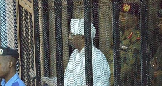محامي عمر البشير يطلب إطلاق سراحه.. والقاضي يرد عليه