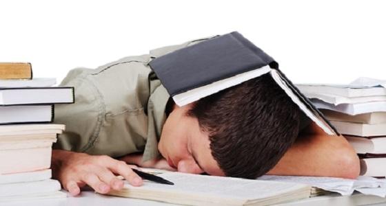 عدد ساعات النوم المطلوبة للطلاب