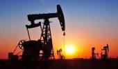 النفط يرتفع بعد أسبوع مضطرب وسط تطمينات المملكة بشأن الإنتاج