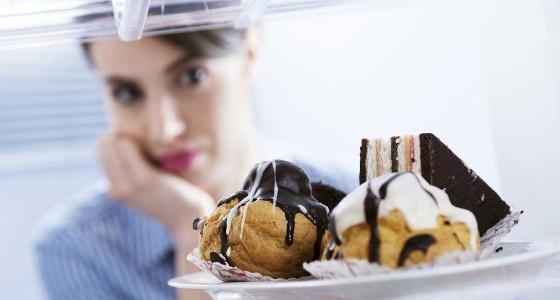 الأوقات والكميات المناسبة لتناول الحلويات
