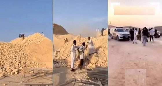 بالفيديو..رجال الأمن يلاحقون عدد من المخالفينبجبال النرجس في الرياض