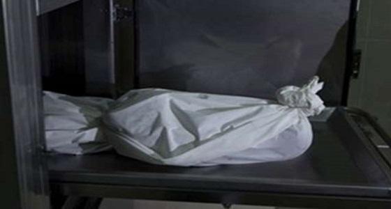 التحقيق في العثور على جثة خمسيني متحللة في تلوث المنظر