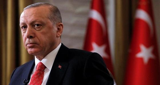 ترند أردوغان وإيران أعداءنا يزلزل تويتر ومواطنون يردون على شيخ الإرهاب بصور فاضحة