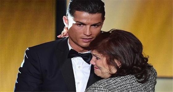 رونالدو يعترف بمنع والدته من مشاهدة التليفزيون