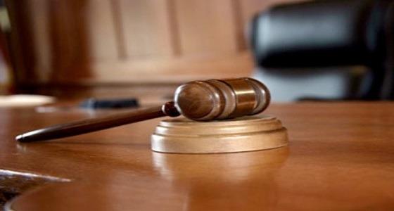 حكم بالحجز على سيارات شركة ماطلت في صرف رواتب عمالها