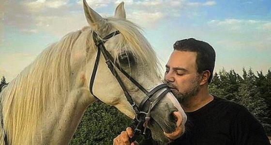 بالصور.. التفاصيل الكاملة لسقوط عاصي الحلاني المروع من فوق حصانه