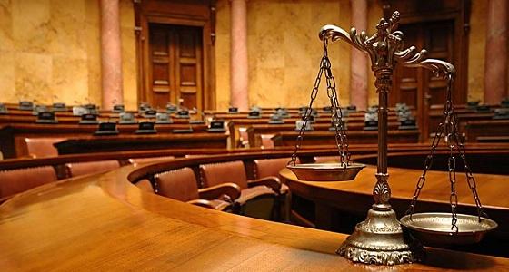 قرار من المحكمة يصدم قاضيًا بشأن تعرضه للتهديد