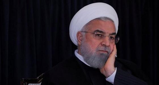روحاني وحيدًا بلا مستشارين في أمريكا
