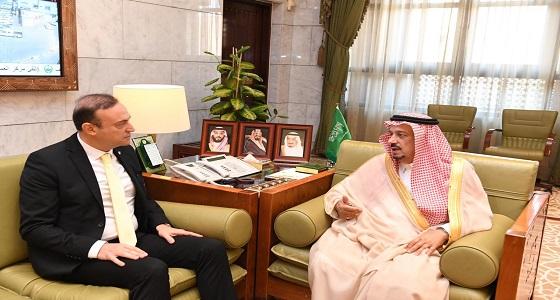 أمير الرياض يستقبل سفير جمهورية لبنان لدى المملكة