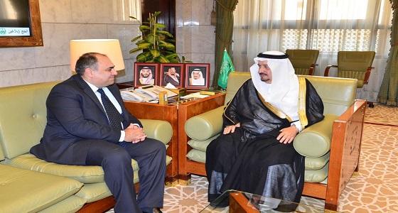 أمير الرياض يستقبل سفير قبرص