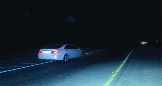 « المرور » يحذر من إضاءة أنوار المركبة ليلا