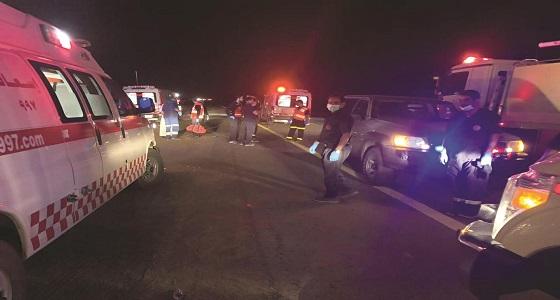 بالصور..تفاصيل وفاة 30 معتمرًا في حادث مروع على طريق الهجرة بمكة