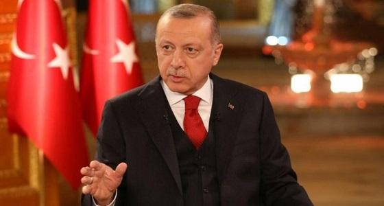 سيناتور أمريكي يفتح النار على تركيا: أردوغان سيدفع الثمن غاليًا