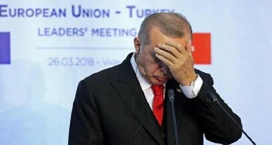 تزامنًا مع تهديد ترامب..اقتصاد أردوغان على شفا حفرة