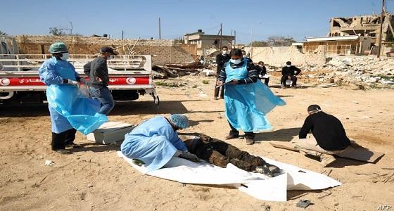 العثور على مقبرة جماعية لـ « داعش » في ليبيا ( فيديو)