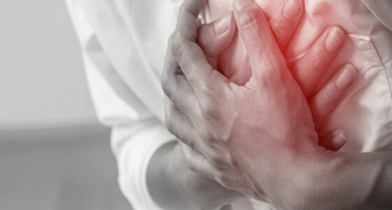 أبرزهم زيادة التعرق ووجع البطن.. إشارات تحذيرية للجسم قبل حدوث النوبة القلبية