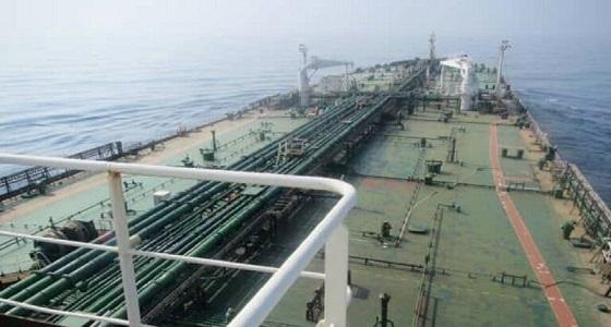 صور تكشف أضرار ناقلة النفط الإيرانية المعطوبة بالبحر الأحمر