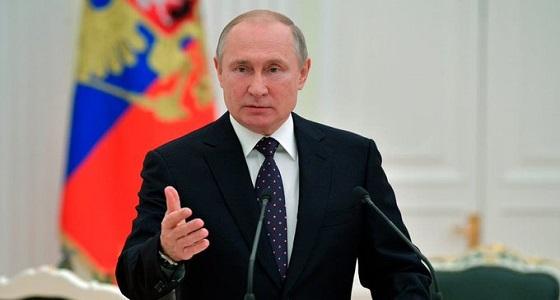 الرئيس الروسي يبدأ زيارة إلى دولة الإمارات العربية المتحدة