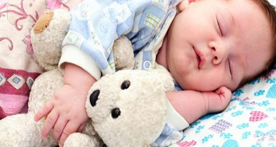 نصائح تسهل عملية نوم الطفل
