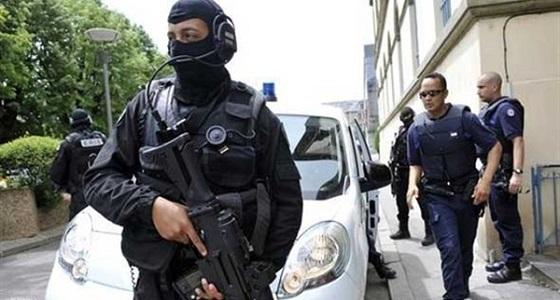 سطو مسلح أثناء حوار صحفي.. مقتل الضيف وإصابة المراسل
