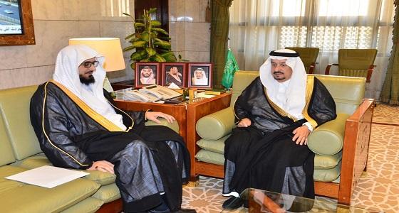 أمير الرياض يستقبل مدير عام فرع وزارة الشؤون الإسلامية بالمنطقة
