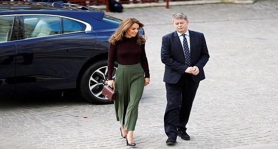 كيت ميدلتون ترتدي حقيبة أغلى من ملابسها !