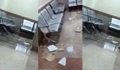 بالفيديو.. انهيار سقف كلية التصاميم بعد تسرب أمطار مكة