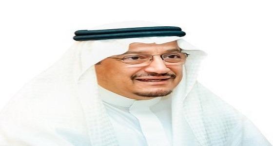 وزير التعليم يكشف هدف مقطع الكتب الملقاة في حاوية نفايات