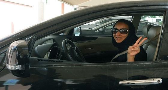 فتح مدارس تعليم قيادة السيارات الخاصة بالرجال أمام النساء